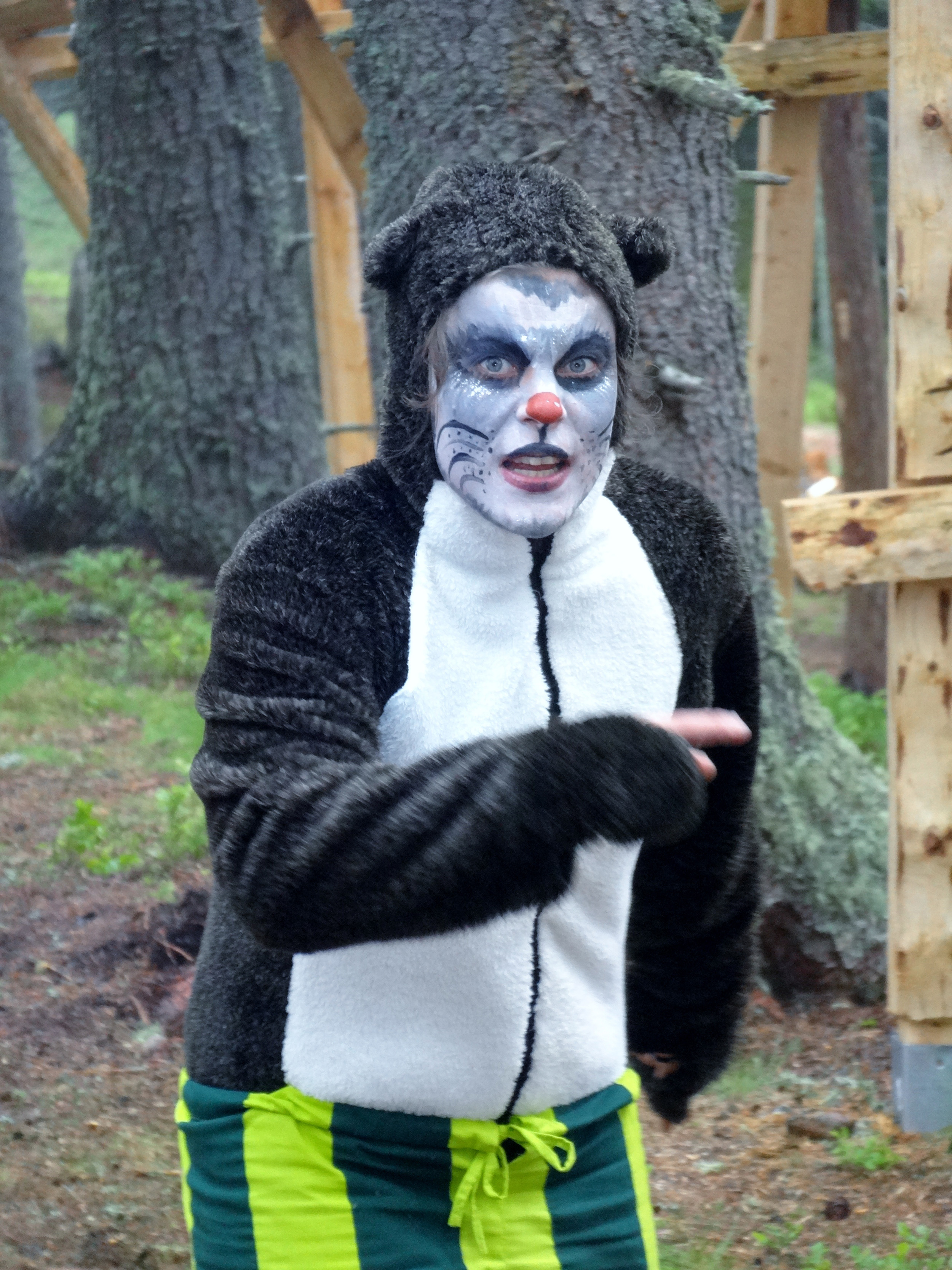 Maskottchen Zwugl im Kugelwald am Glungezer