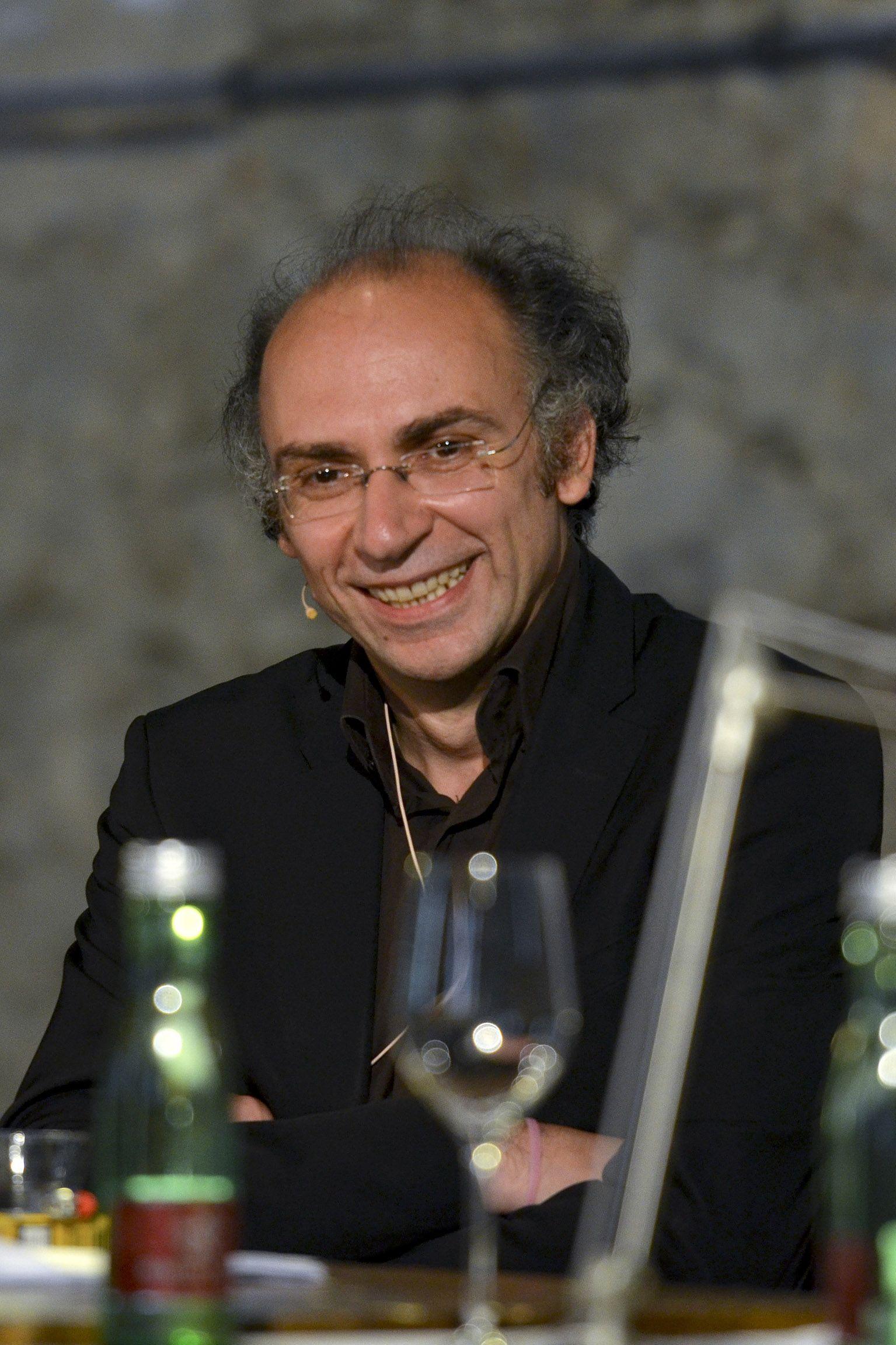 2012 - Ein Fest fuer Robert Menasse, im Rahmen der Salzkammergut Festwochen Gmunden, am dritten von vier Tagen, in der Hipphalle in Gmunden. Schriftsteller und Literaturpreistraeger Dimitre Dinev