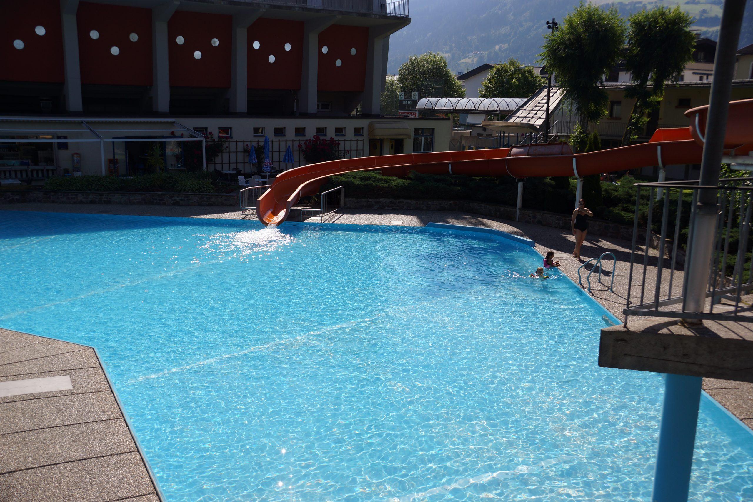 Wo man sich am besten abkühlt Teil 1: Schwimmbad Wattens