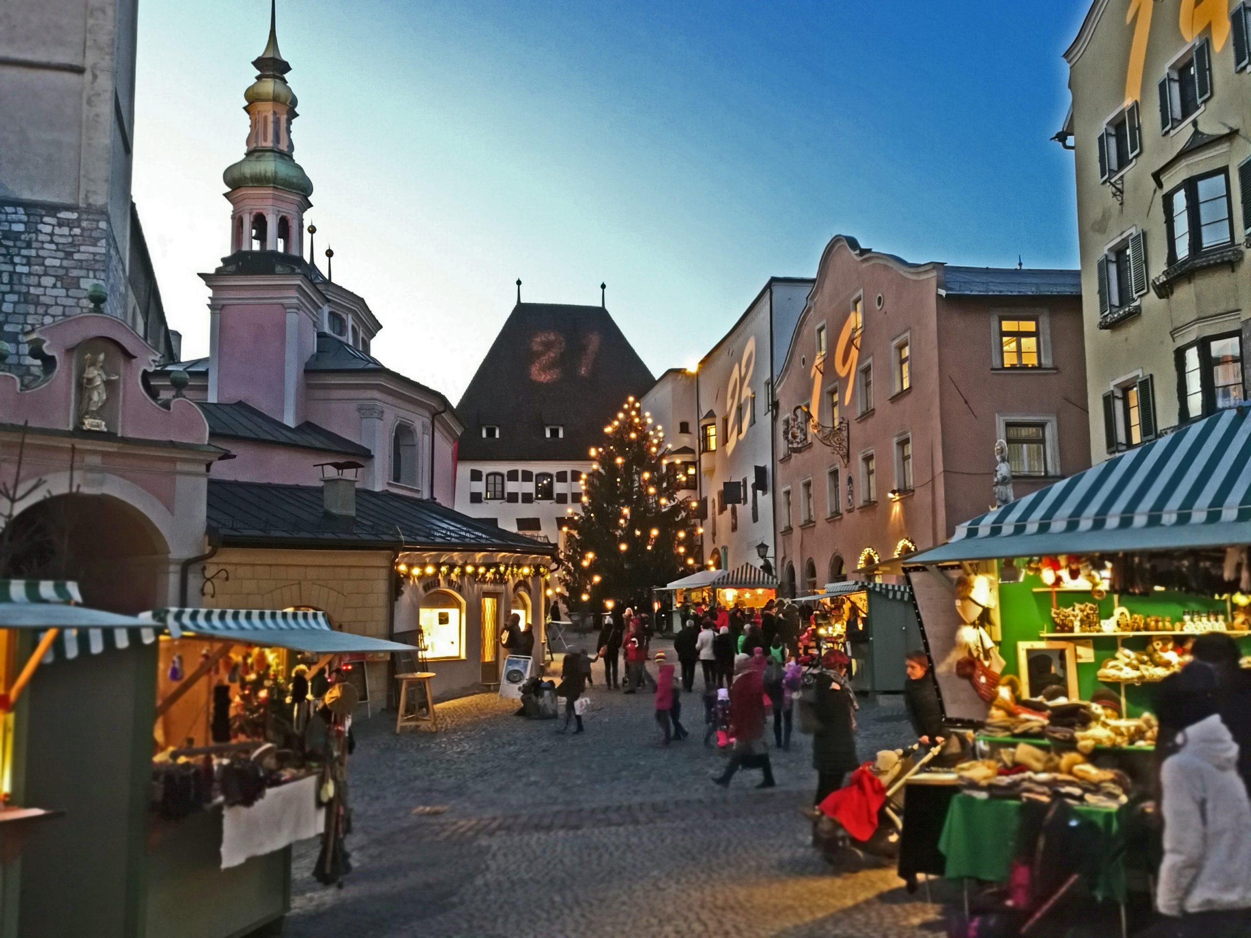 Besinnliche Vorweihnachtszeit: Hall in Tirol